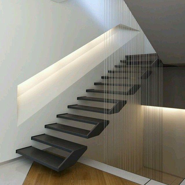 Imnovador dise o de escalera donde ademas de sus for Iluminacion escaleras interiores
