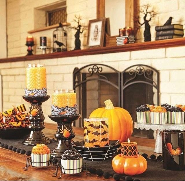 Halloween decor on sale now!! Gold Canyon candles! Loris Gold