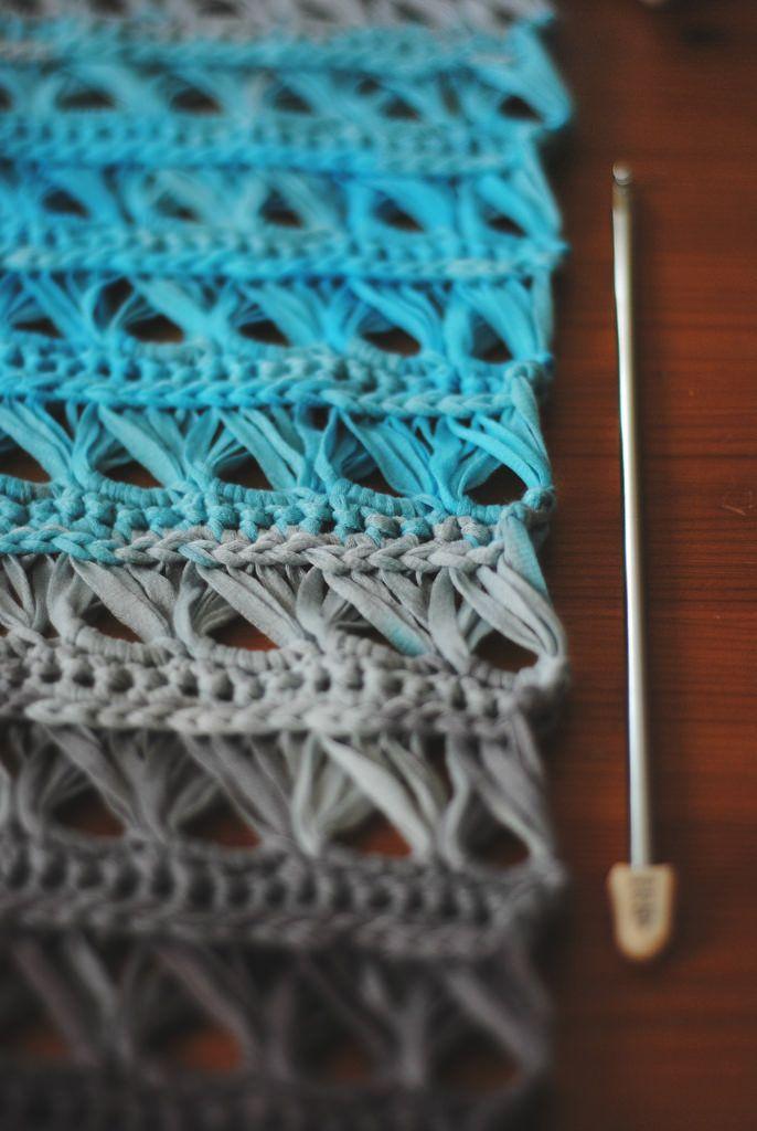 25 Crochet Infinity Scarf Tutorials | Stricken häkeln, Häkeln und Strick