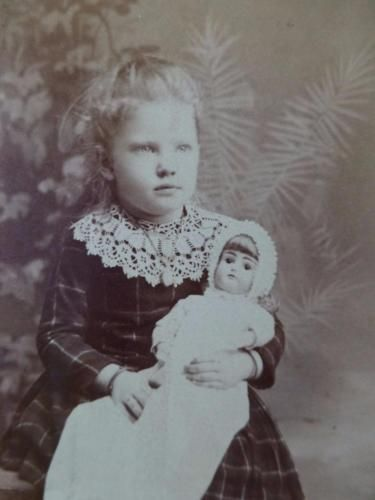 Antique-Old-Cabinet-Card-Photo-c1890s-Sweet-Little-w-Porcelain-Bisque-Doll-SALEM