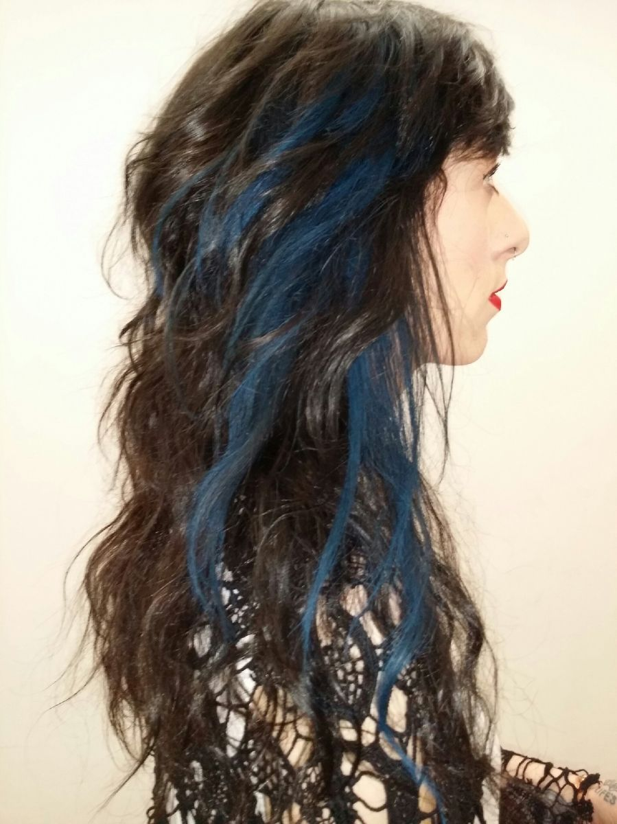 Blue Hair Highlights Using Hair Chalk A New No Commitment Hair