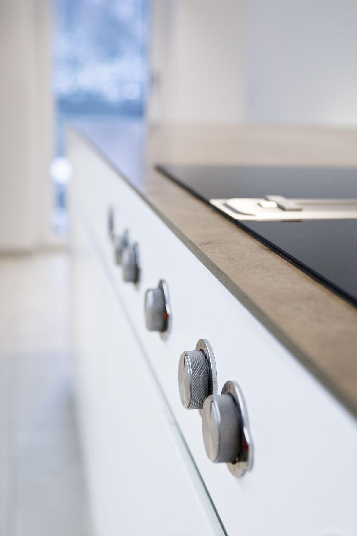 Pin Von 3form Gmbh Auf Kuche In Mineralstein Kuche Kuche Entwerfen Und Mineralsteine