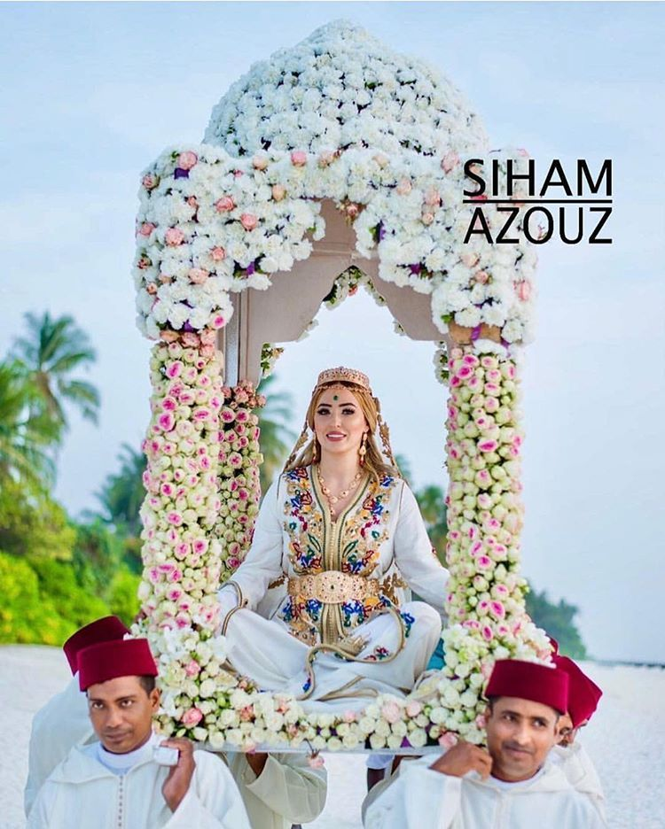 Style Inmorocco Op Instagram Moroccan Wedding In The Maldives Styled By Sihamazouzofficial Weddin Moroccan Wedding Moroccan Bride Wedding Henna