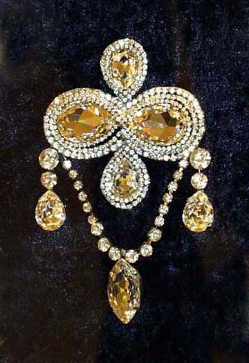 """""""Courage"""" Brooch – owned by Queen Mary of Teck (1867-1953)"""