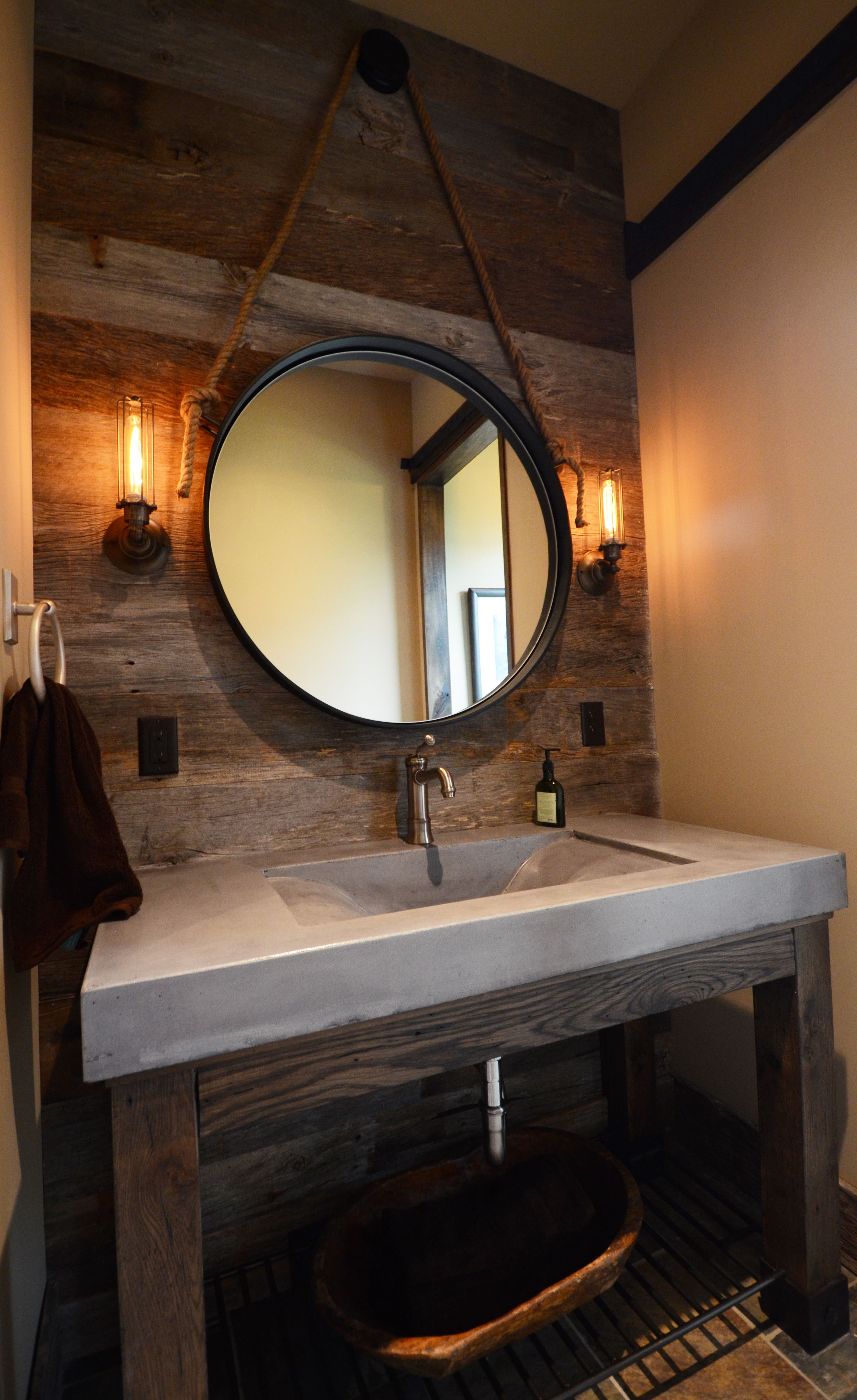 Design Chic: Things We Love: Concrete Sinks And That Mirror!