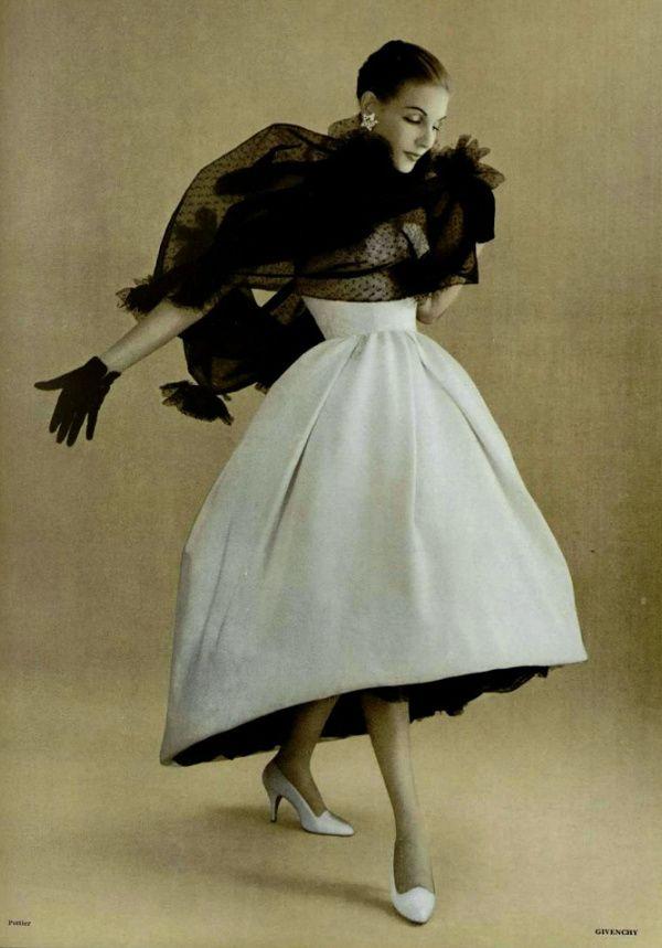 Abito da sera di Hubert de Givenchy 1957  5df7b06b2d6