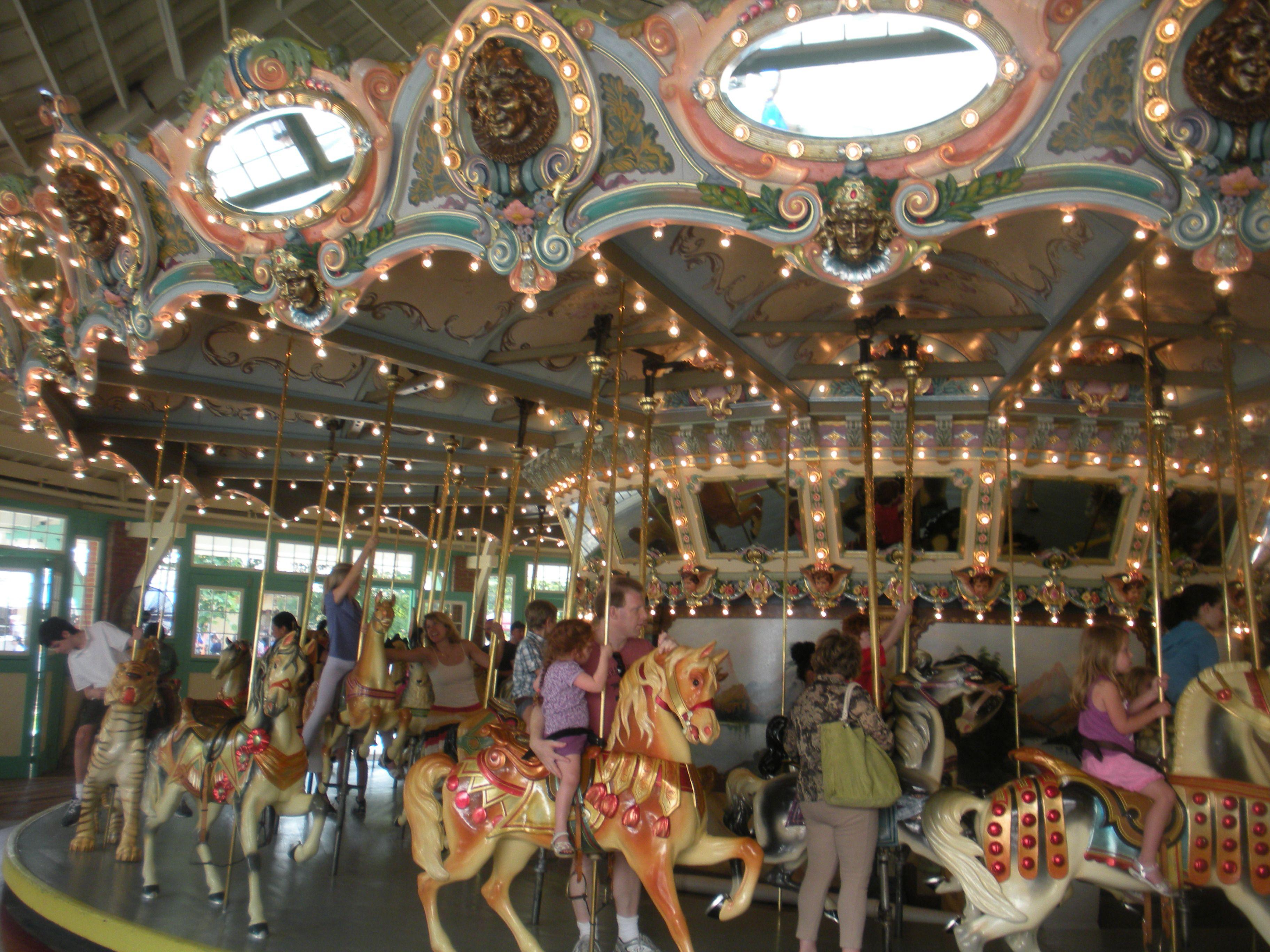 Carousels This one is in Glen Echo, Maryland Glen echo