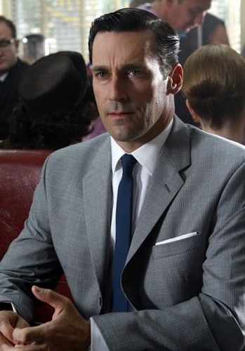 grey suit blue shirtthe blue tie white shirt and grey suit are a ...