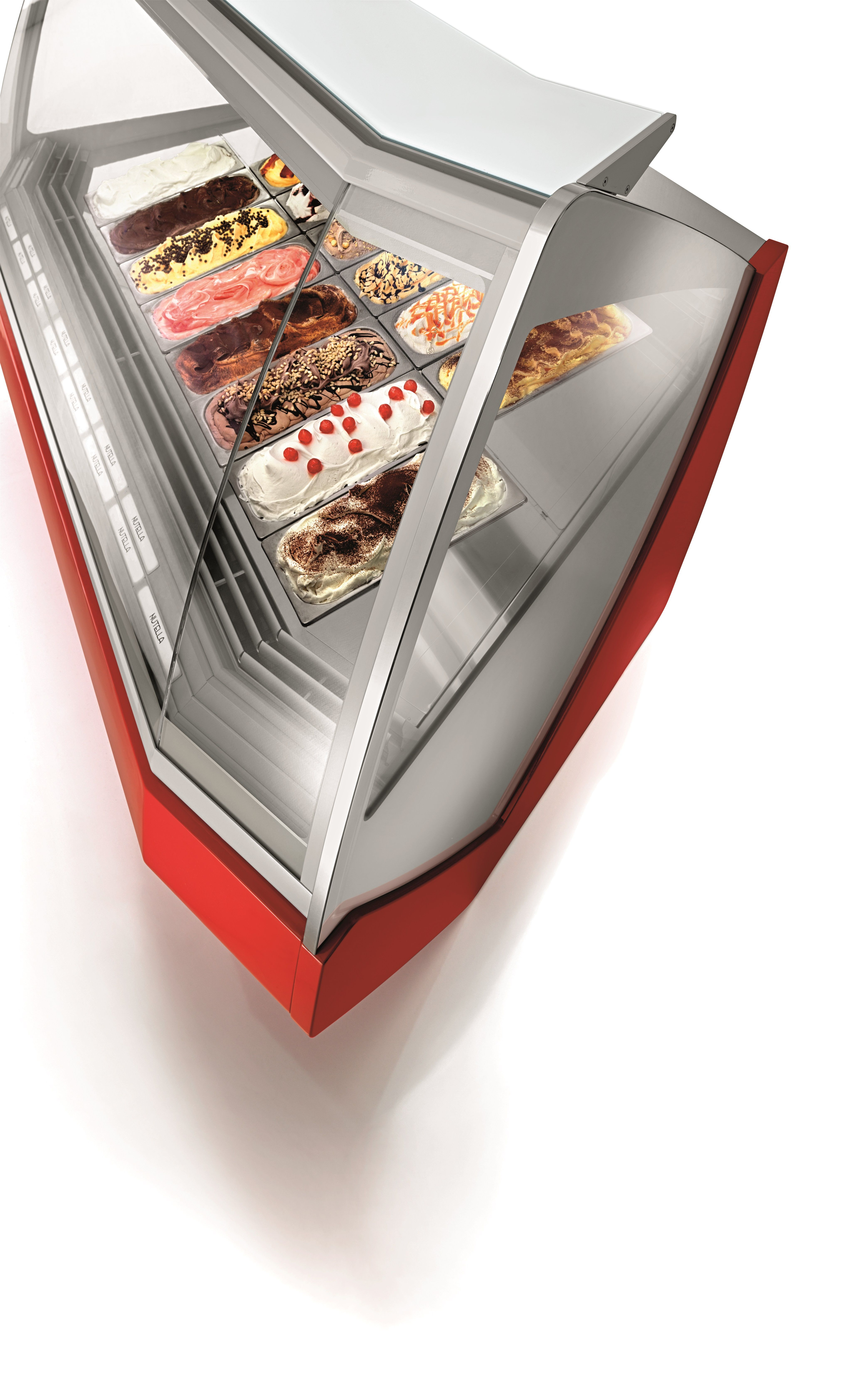 Orion's goal for Tecnica design was to maximize the visibility of the #icecream #display #cabinet. #arredamento #vetrina #vetrine #banco #refrigerato #showcases #icecream #gelateria #pasticceria #gelato #interior #design #style #stile