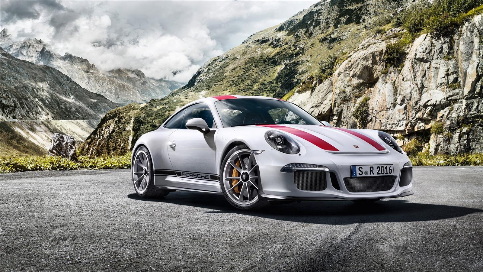 Porsche 911 R Is Eigenlijk Gewoon Een Gt3 Rs Met Handbak Zonder Spoilers Drivessential Porsche 911 Porsche Sports Cars Lamborghini