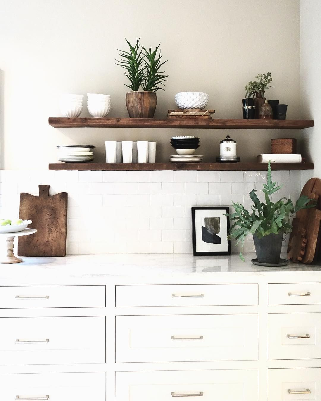 Download Wallpaper White Kitchen With Floating Shelves