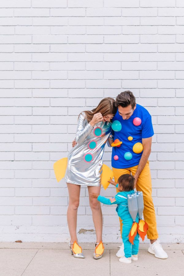 Photo of DIY Space Family Costume – New Ideas
