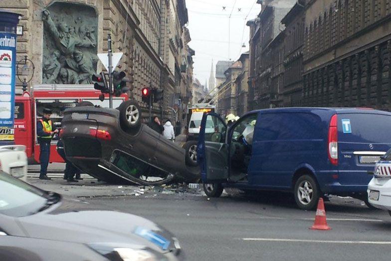 Durva baleset Budapest szívében | onlinesiker.hu
