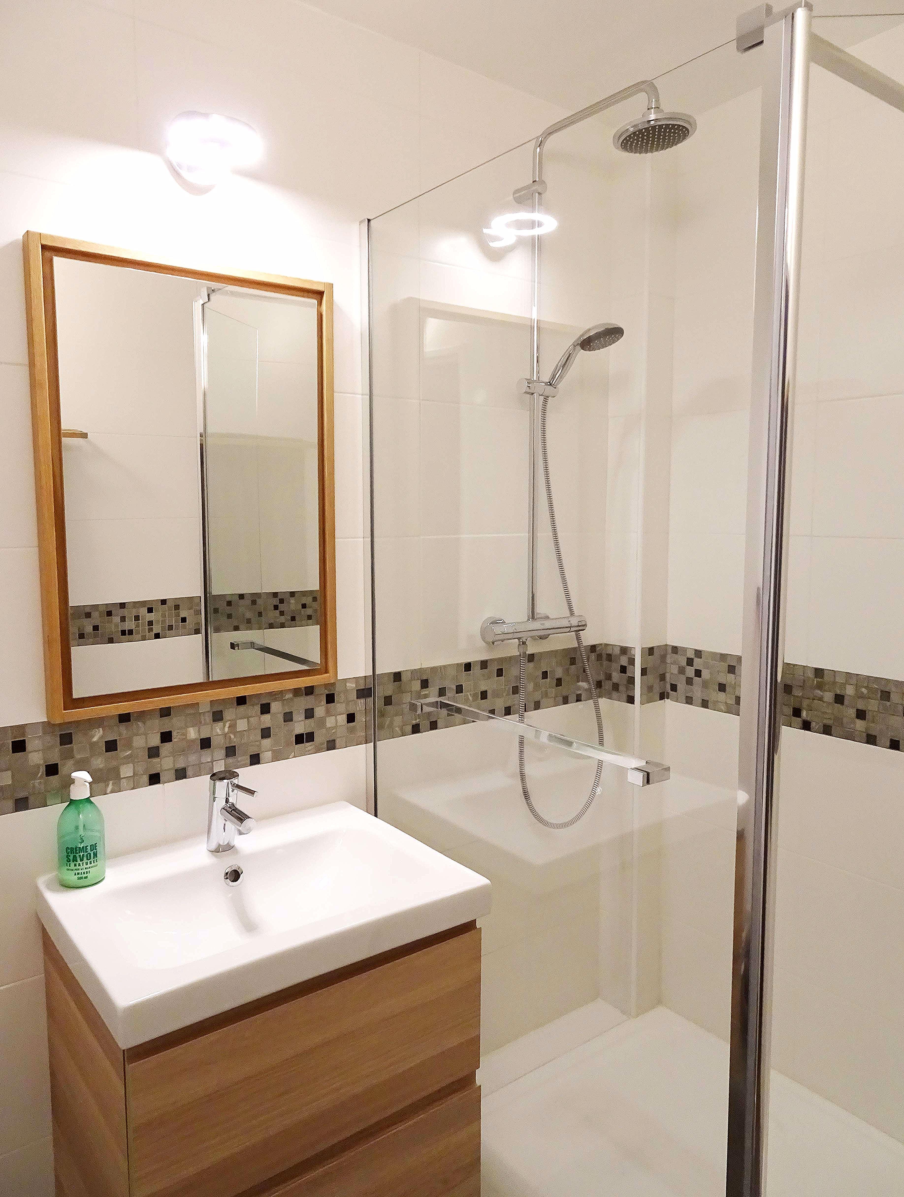 Eclairages Led en 16  Idée salle de bain, Eclairage salle de