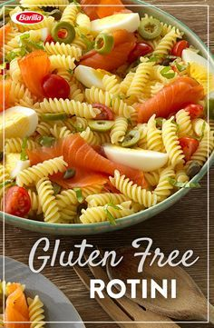 This gluten free pasta will have your family coming back for more. Gluten free rotini tossed with tasty smoked salmon, capers, cherry tomatoes and hard boiled eggs in 30 minutes or less!