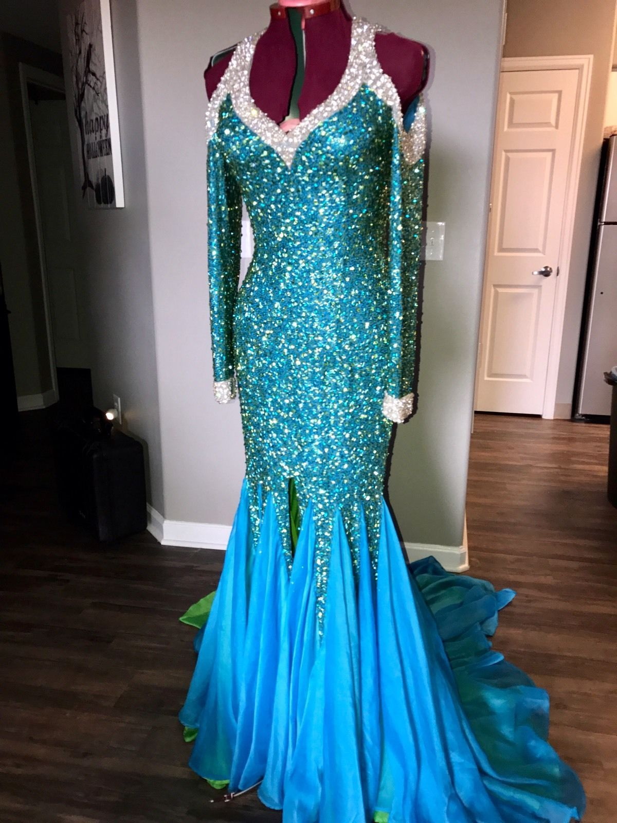 Coco Vega Bluegreen Drag Queen Miss Gay Pageant Gown Size 10