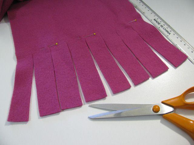 Make a 'NO SEW' fleece scarf