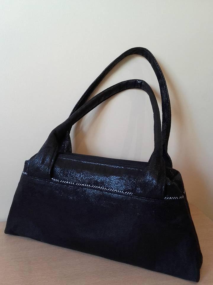 Sac compartimenté City Zip-ZIp cousu par l'atelier des Fleurs de Val en suédine effet cuir vieilli - Patron de couture Sacôtin