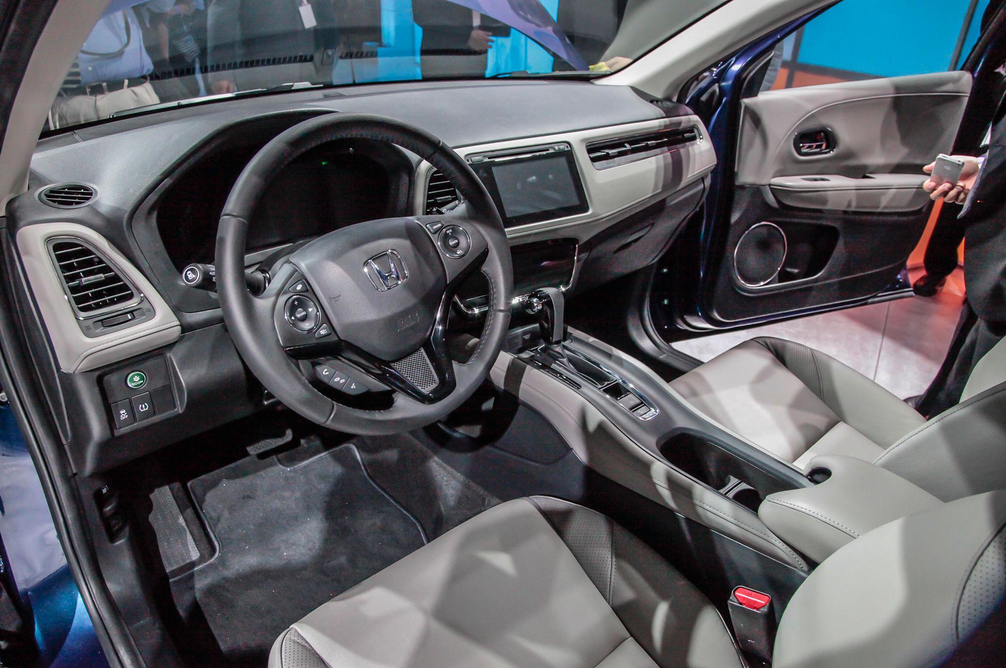 2016 honda hr v interior la auto show new model debuts