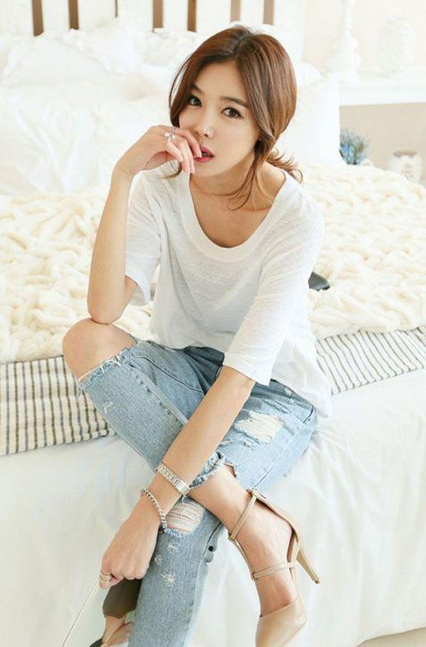 世界上最好搭的單品就是素T了,讓韓系女孩教妳,如何穿搭出最流行的素T-style吧! - PopDaily 波波黛莉的異想世界