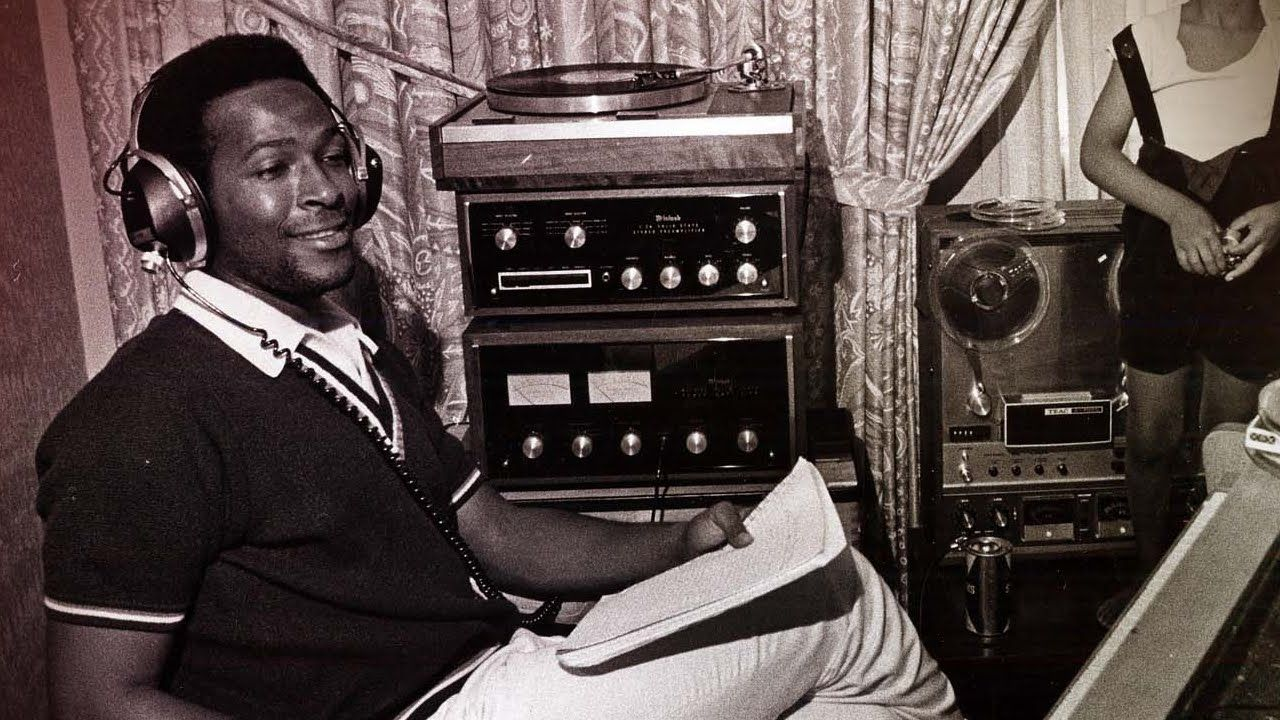 Marvin Gaye listening to record. McIntosh and Thorens... | Marvin gaye,  Marvin, Vintage black glamour