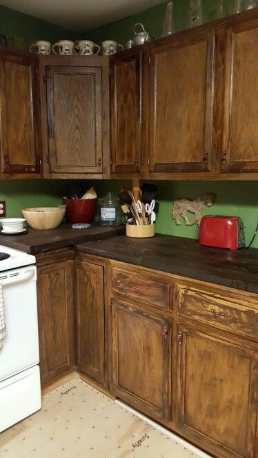 love the raised corner with images kitchen home decor kitchen cabinets on kitchen cabinets corner id=41280