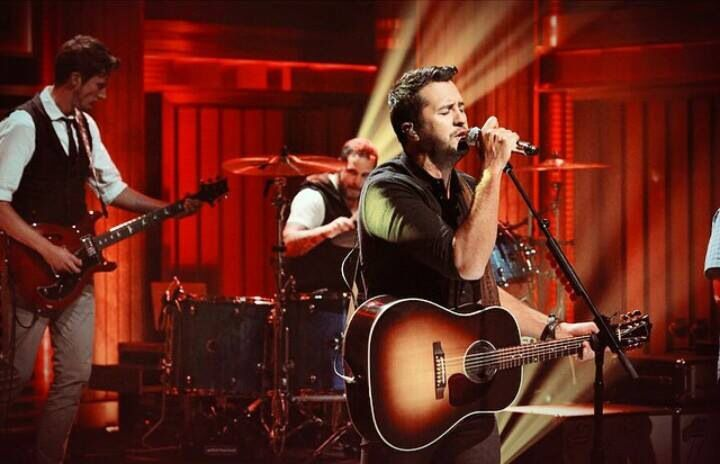 Luke Bryan - On Jimmy Fallon 09/2014