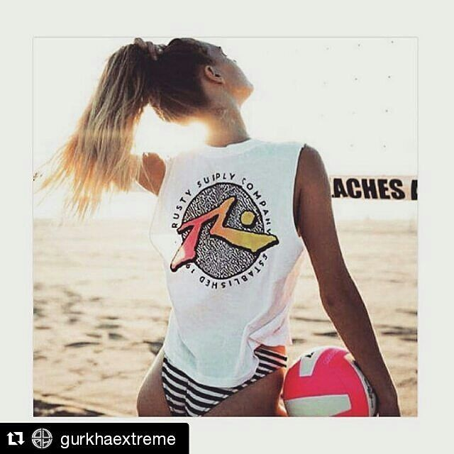 #Repost @gurkhaextreme with @repostapp  #Repost @rustyvenezuela with @repostapp  Buenos días  Descansa y disfruta del fin de semana porque hoy es Domingo Aloha!  #RustyVenezuela #OurKind #Aloha #Relax #sunday  #rad #80s