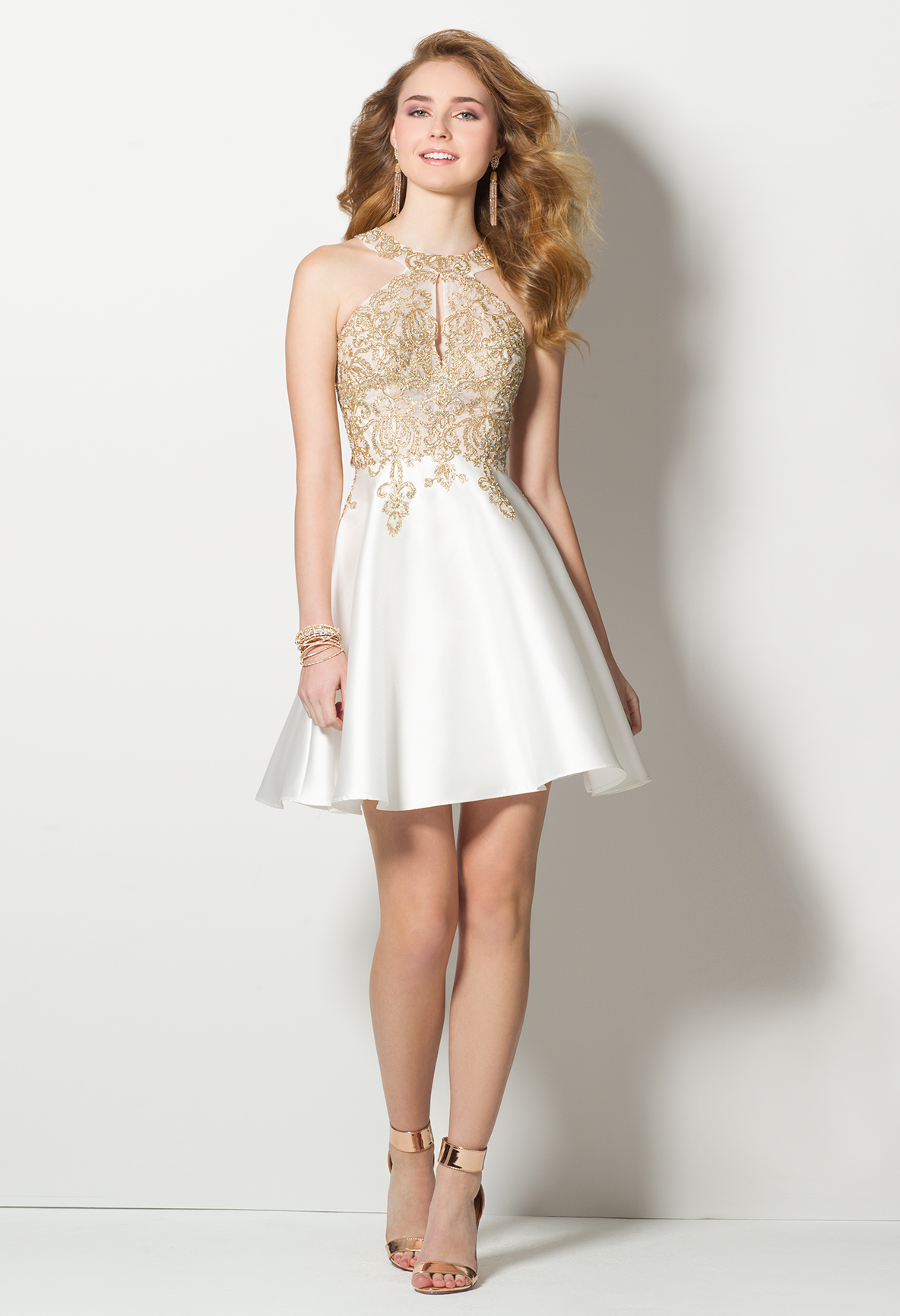 Make any season merry with this regal cocktail dress! With its Cleo ...