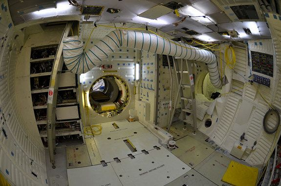 space shuttle interior diagram - photo #17