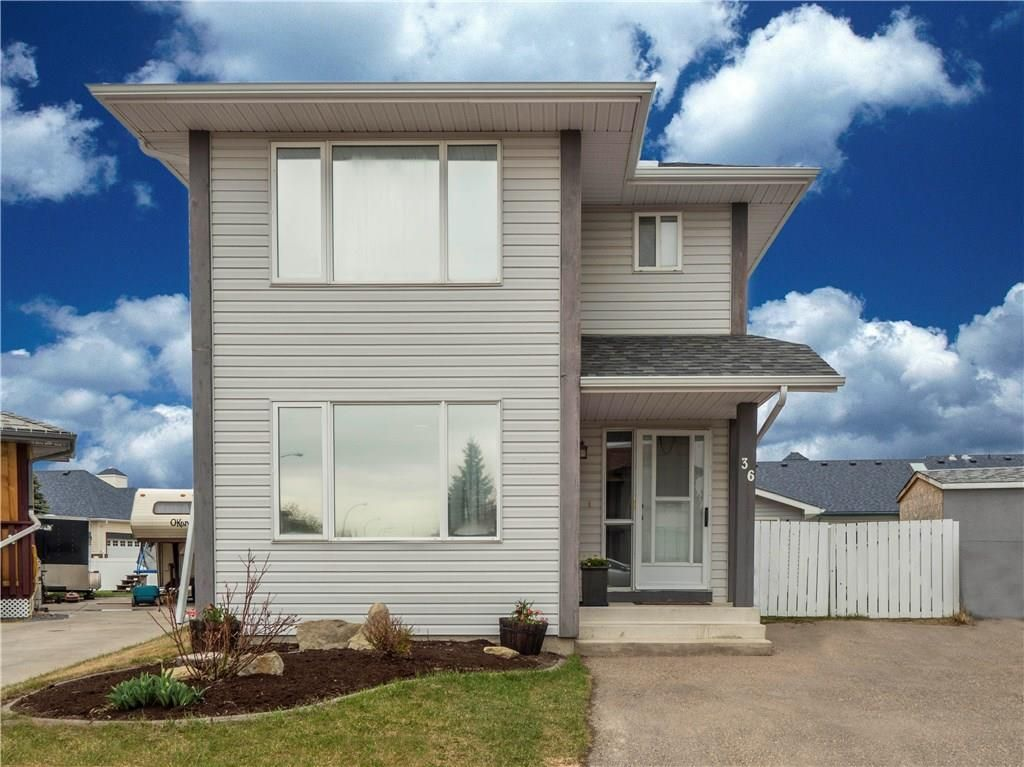 36 WOODSIDE Circle NW Airdrie House for sale MLS