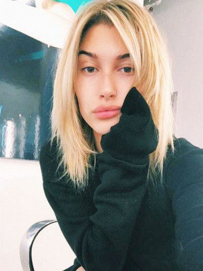 Hailey Baldwin's New Hair Color Is Perfect for Low-Maintenance Blondes