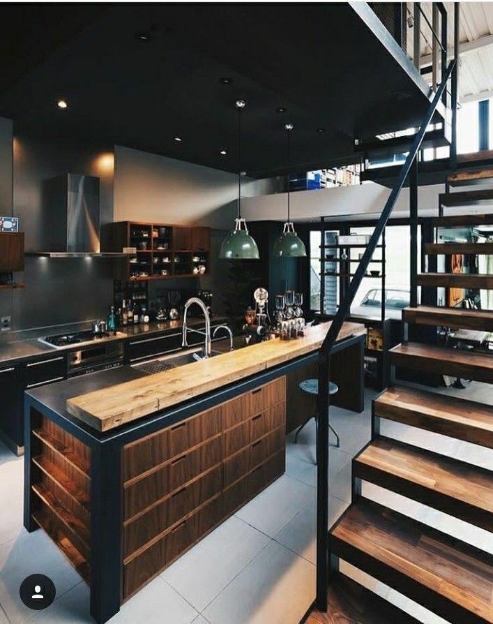 Industrieküche mit hölzernen rustikalen Elementen und starkem Industriemetallt... #staircaseideas