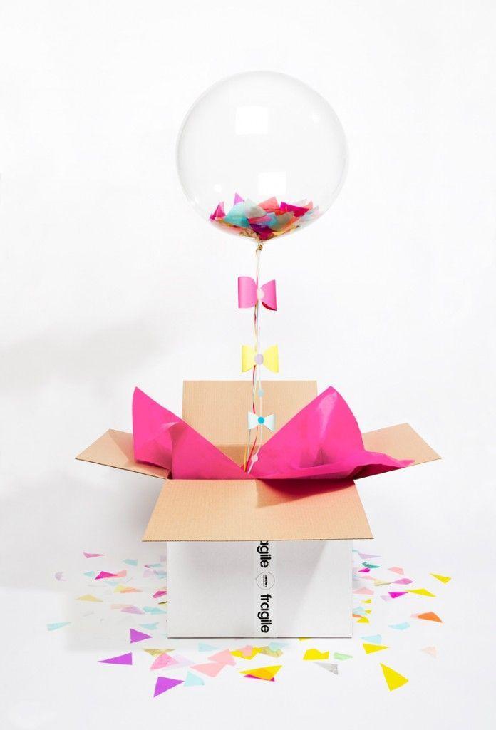 colis avec ballon à l'hélium, confettis, juste magique !