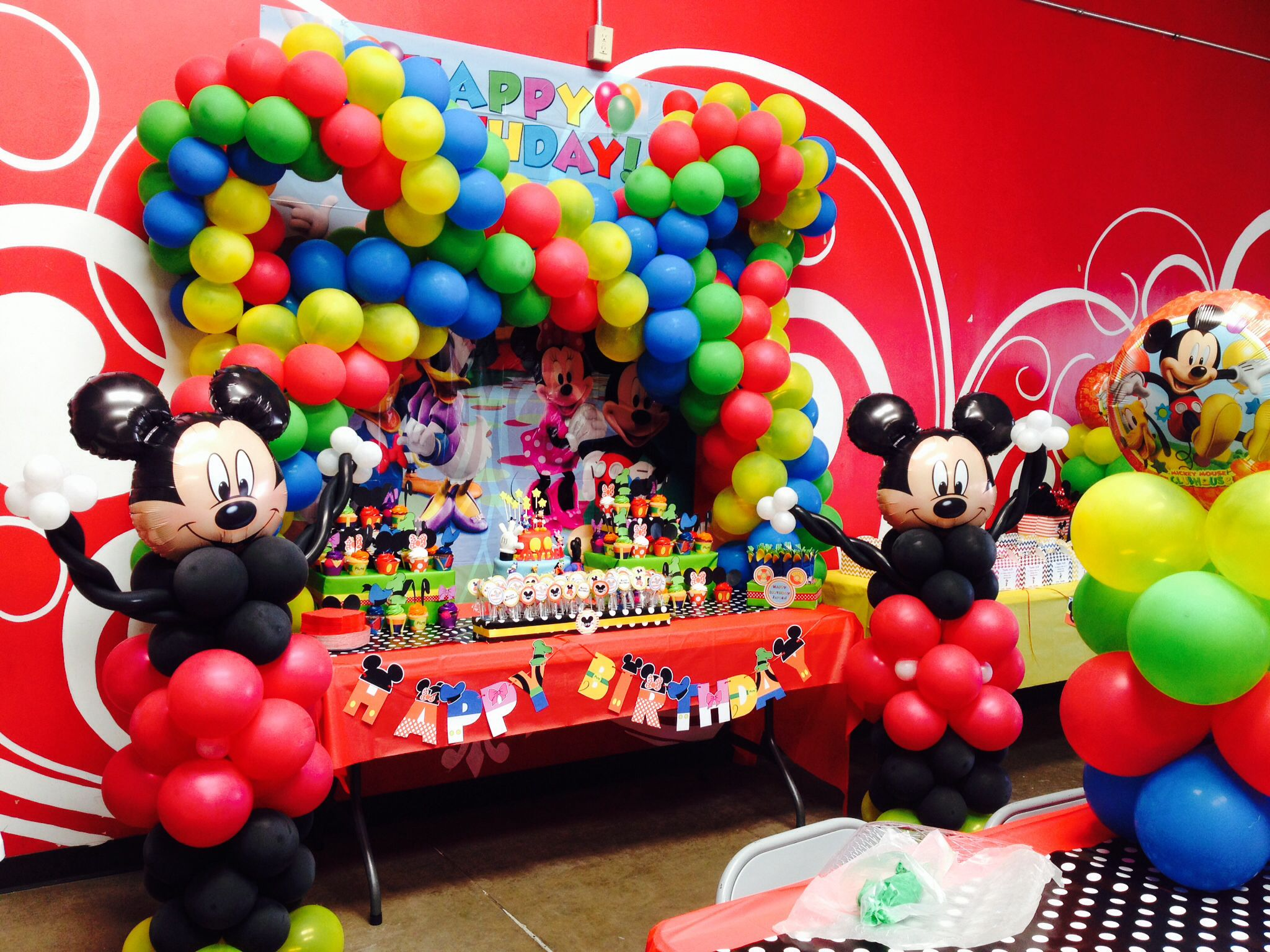 Mickey Mouse Clubhouse Cake Table Balloon Decorations Party First Birthdays 4th Birthday Parties