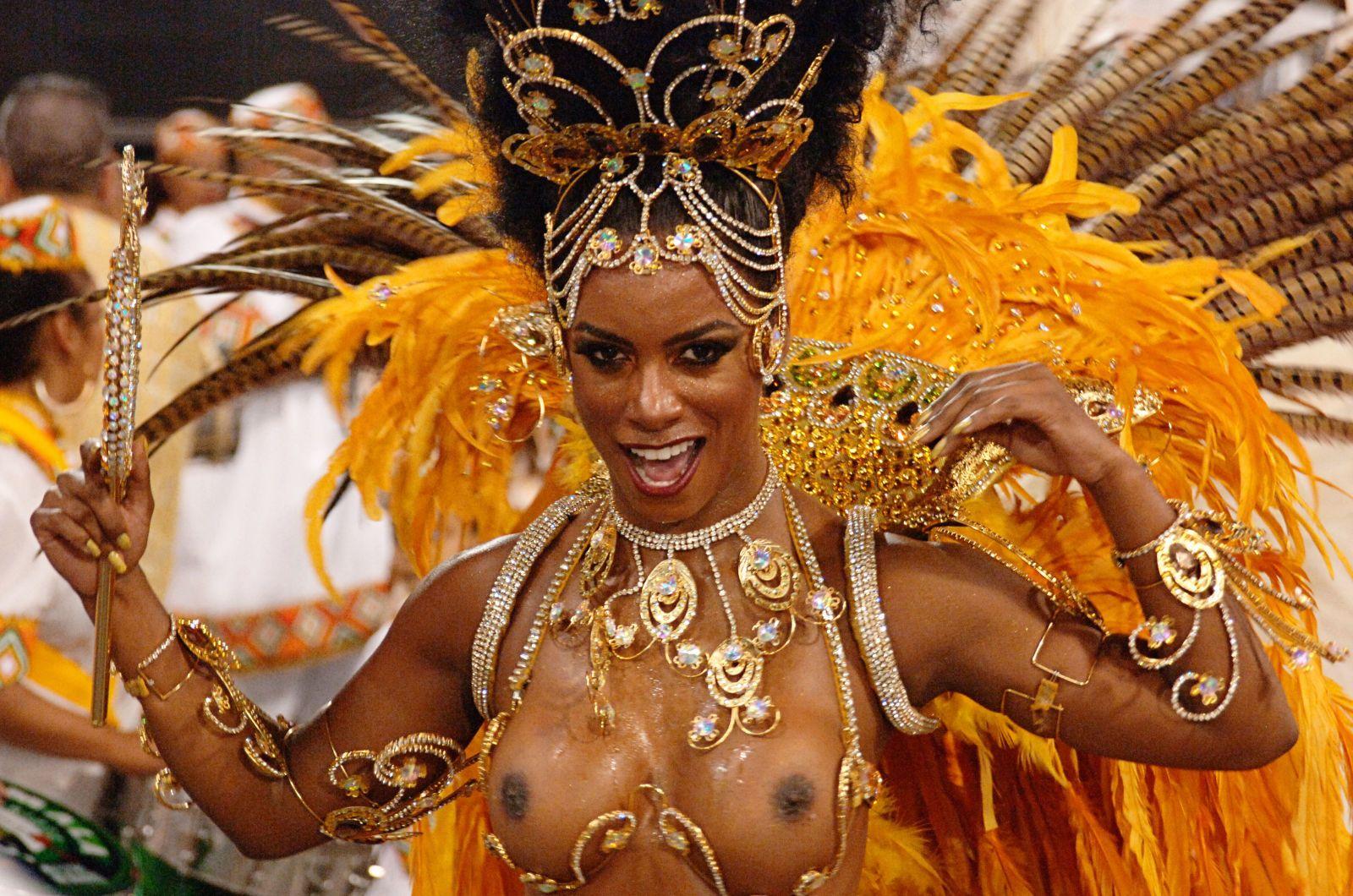 смотреть онлайн карнавал без цензуры бразильский