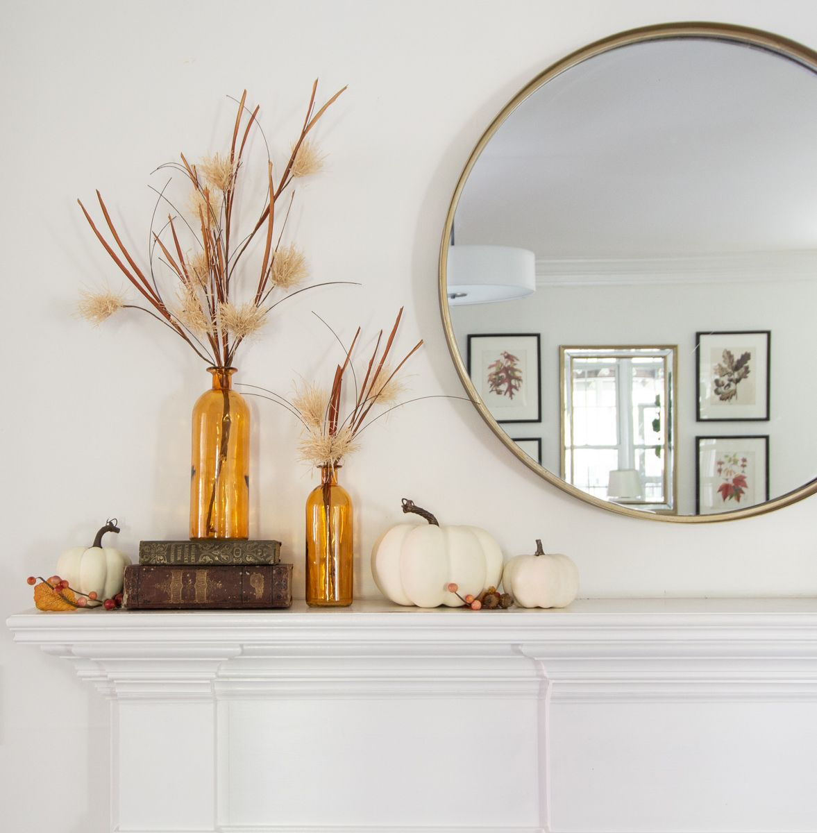 4 Ways to style a Simple Fall Mantle with a Round