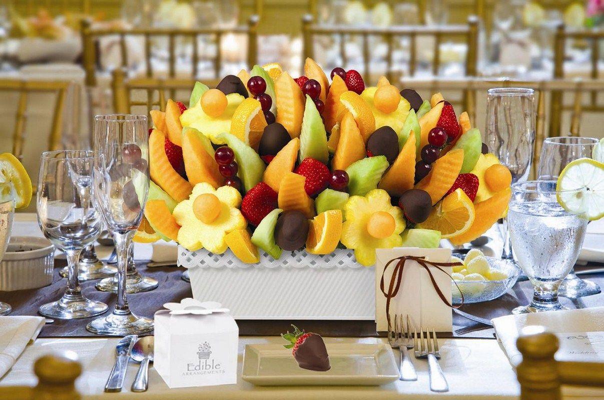 Картинки украшенных столов фруктами