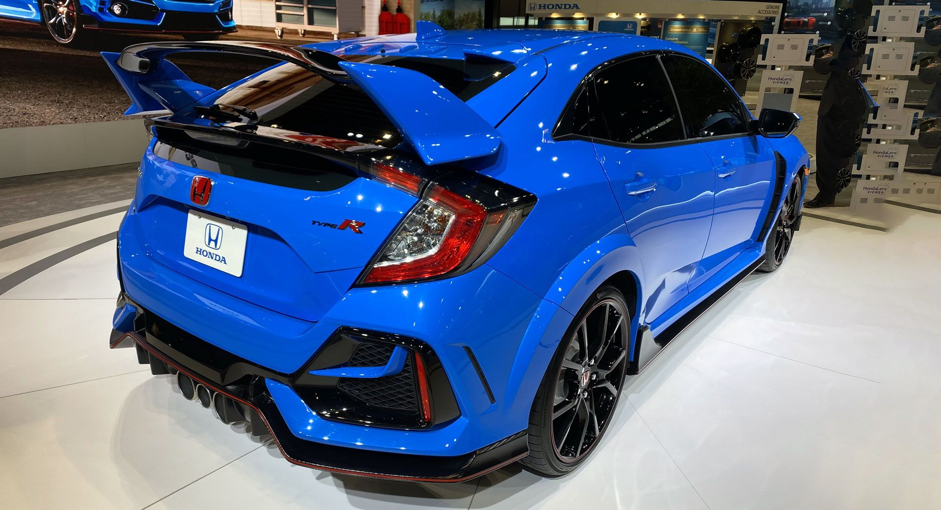 2020 Honda Civic Type R Arrives In America With Minor Styling Chassis Tweaks And A Boost Blue Color In 2020 Honda Civic Type R Honda Civic Honda Civic Hatchback