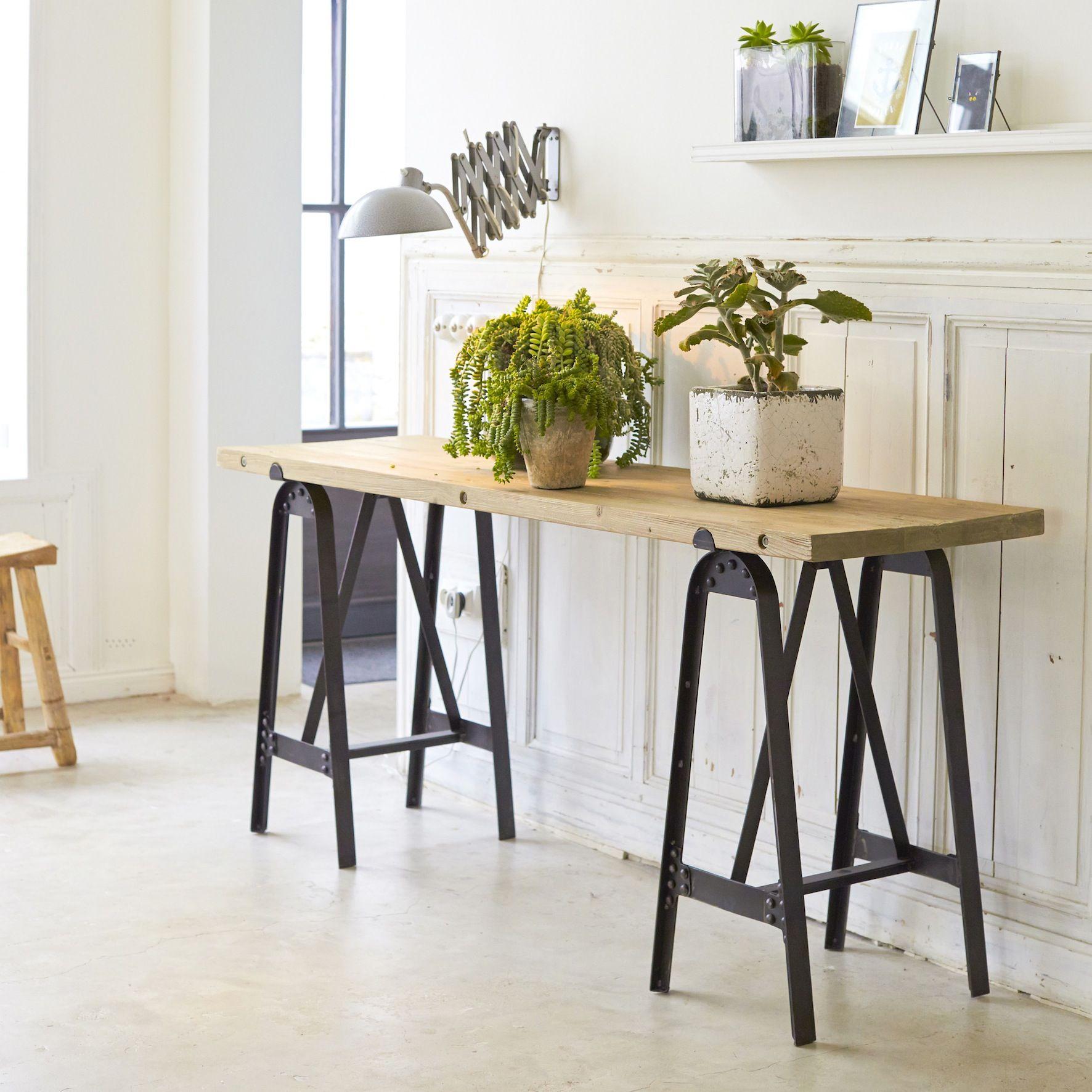 Les-meubles-en-bois-brut-dans-la-déco-Console-metal-pin-eliot ...