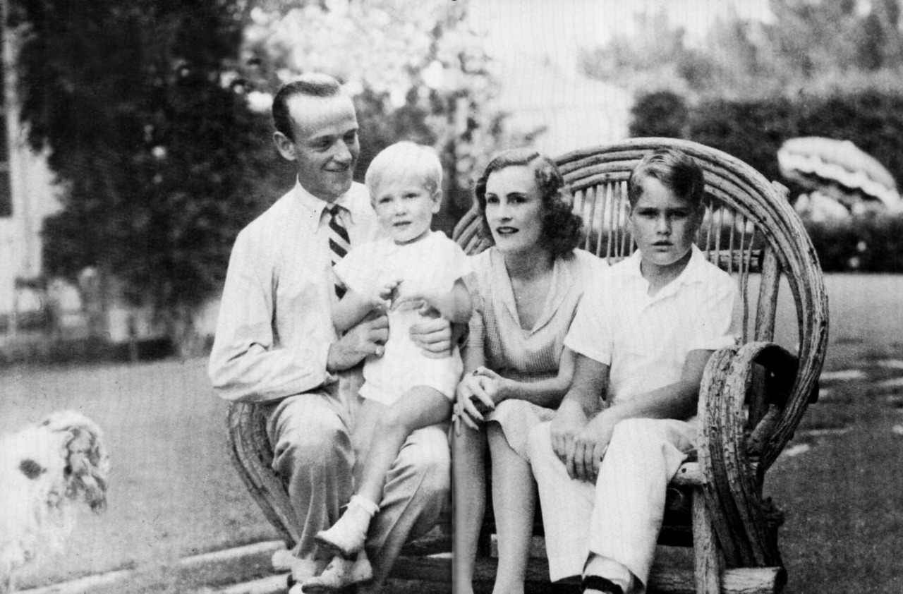 Fred Astaire With His Wife And Children Actrice Photos Images
