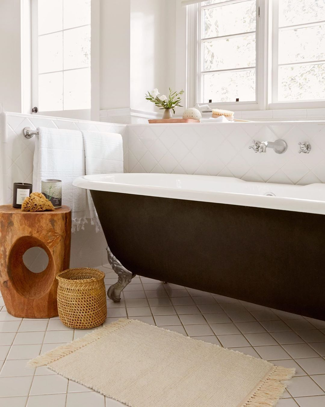 Jenni Kayne Apparel Home On Instagram Upgrade Your Bathroom With Plush Textiles And A Scented Candle To Make In 2020 Simple House Interior Decorating Home Decor
