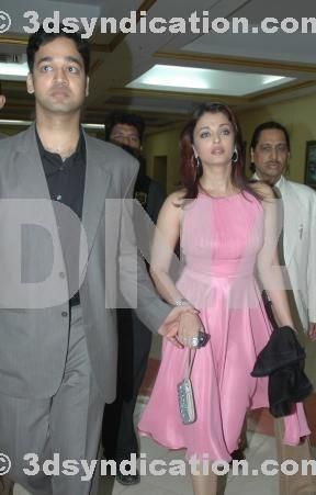 Aishwarya With Brother Aditya Rai Bollywood Actress Celebs Aishwarya Rai