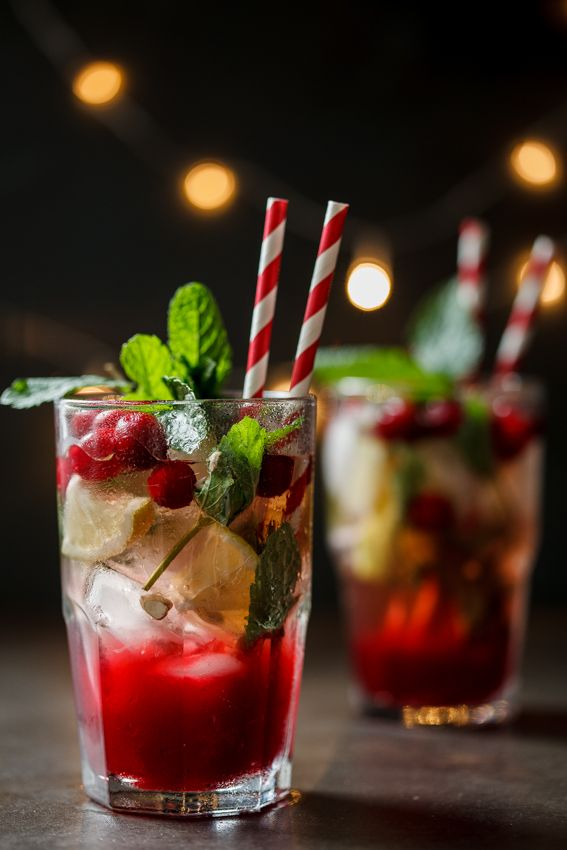 Christmas Drinks Alcohol.Cranberry And Ginger Mojito
