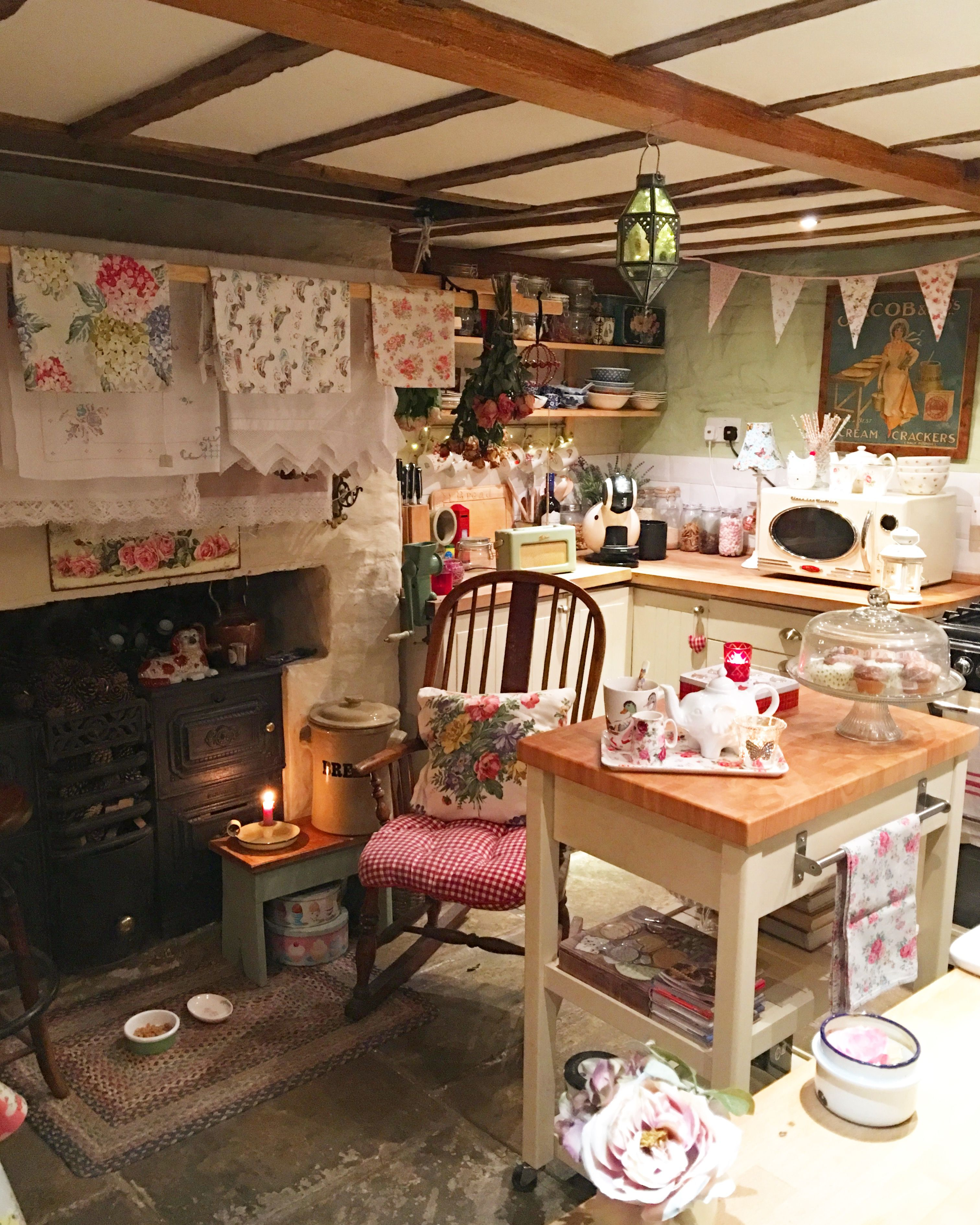 Chair with checks and roses   English cottage kitchens, Interior ...