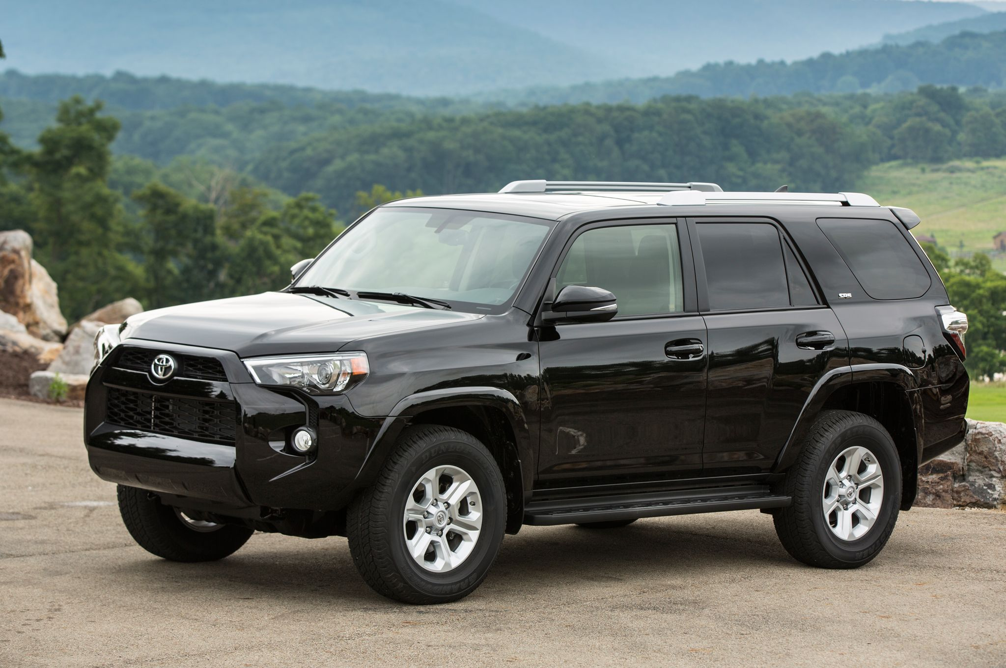 Similar to toyota's light-handed touch in updating the tundra pickup truck for the new model year, the 4runner boasts subtle, though welcome, changes for. Description from lambaro.com. I searched for this on bing.com/images