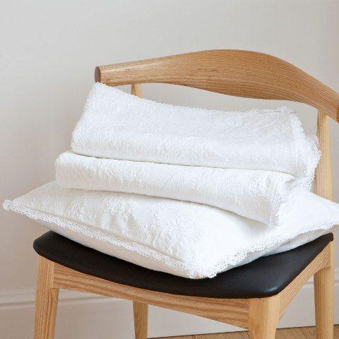 white beddings