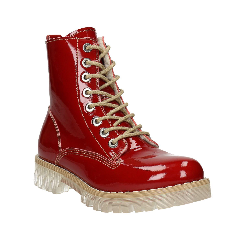 2efe306453ce Štýlová dámska obuv je neprehliadnuteľná vďaka svojmu výraznému červenému  odtieňu. Zvršok je vyrobený z lakovanej