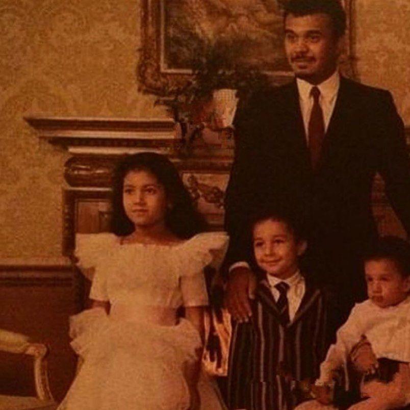 الامير بندر بن سلطان بن عبدالعزيز وابنته الاميره ريما وابناءه الامير خالد والامير فيصل Dresses Wedding Dresses Fashion