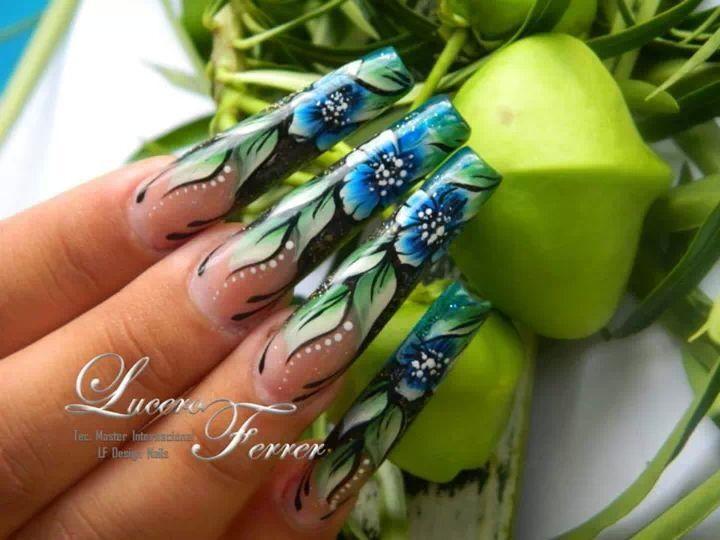 Uñas acrílicas en forma escultural Técnica mano alzada   nail ...